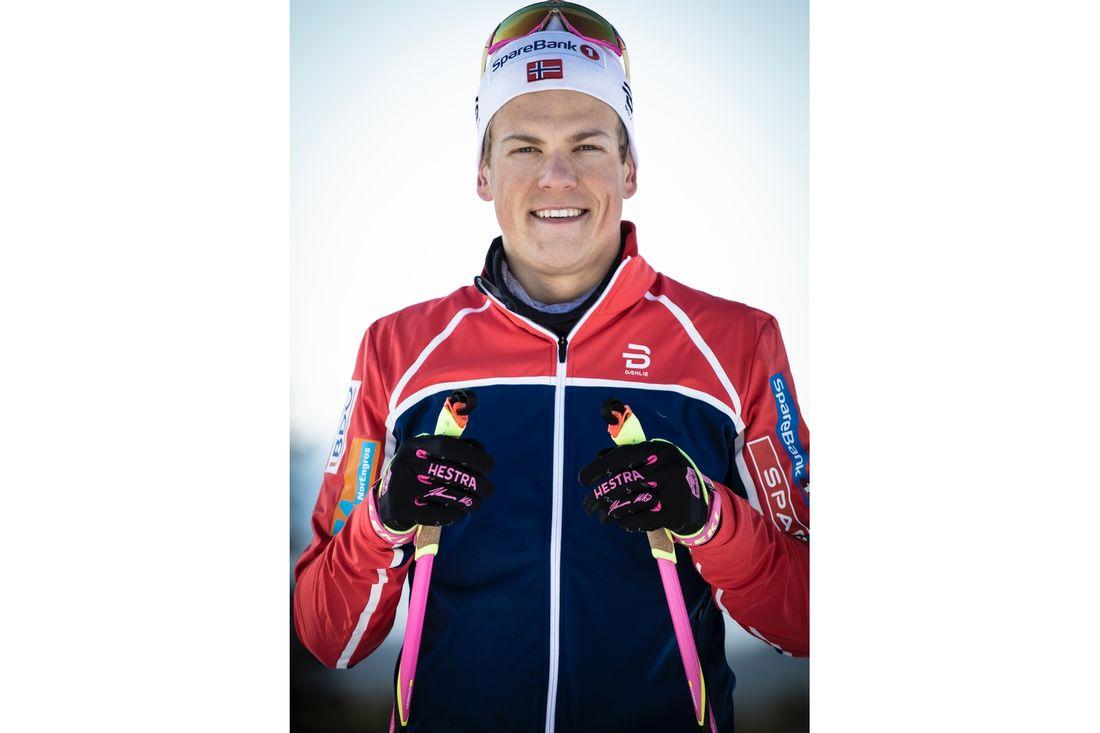 Tillsammans med svenska HESTRA lanserar Johannes Hösflot Kläbo sin egen handske. FOTO: HESTRA.