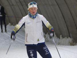 Maja Dahlqvist blev åtta på masstartsloppet mellan Aure och Brekka. För Frida Karlsson slutade dagen med en krasch med trasiga rullskidor. FOTO: Johan Trygg/Längd.se.