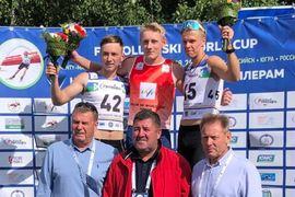 Johan Ekberg överst på pallen för fjärde dagen i rad på rullskidvärldscupen i Ryssland. FOTO: Svenska skidförbundet.