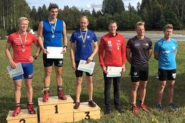 Victor Gustafsson vann dagens cuplopp i Åmsele. Här med övriga toppåkare. Fr.v. Alfred Buskqvist, Victor, Robin Norum, Gustav Nordström, Gabriel Strid och Erik Silfver.