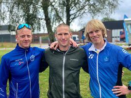 Fredrik Ousbäck, i mitten, vann Höstrullen före Tommy Bylund, till vänster, och Erik Wickström till höger. FOTO: erikwickstrom.se.