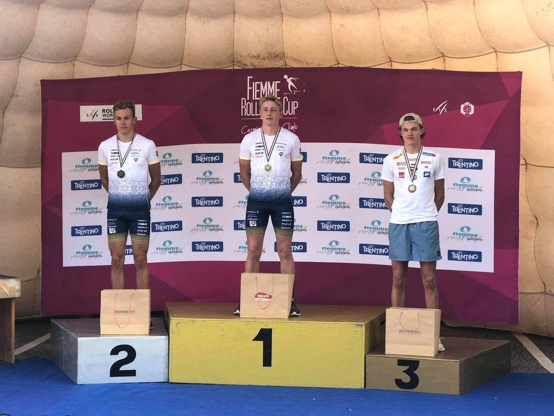 Johan Ekberg och Truls Gisselman fixade en svensk dubbel i juniorklassen vid rullskidvärldscupen i Val di Fiemme på lördagen. FOTO: Svenska skidförbundet.