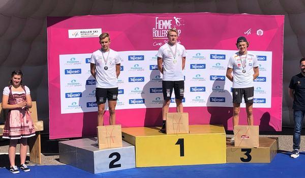 Johan Ekberg och Truls Gisselman vann dubbelt i juniorklassen på rullskidvärldscupens final. Ekberg blev också totalvinnare. FOTO: Svenska skidförbundet.