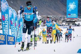 Visma forsätter som titelpartner för Ski Classics. På bilden ser vi Marcus Johansson, Lager 157 Ski Team, i front vid förra vinterns prolog i Livigno. FOTO: Visma Ski Classics.