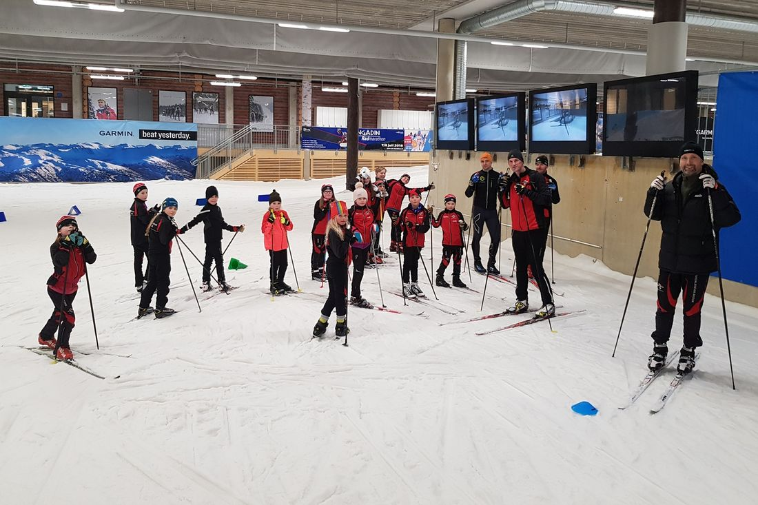 Sävedalens AIK Skidor s atsar mycket på sina ungdomar.Här är det träning för 9-10 åringar i Skidome, Göteborg. FOTO: Odd Wallum.