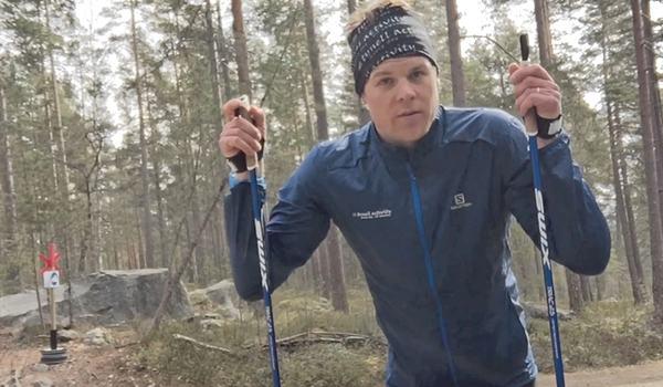Den här gången bjuder Rikard Tynell på tips kring träning med stavar när snö saknas.