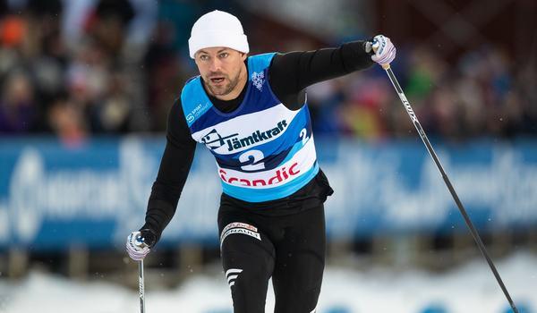 Ludvig Sögnen Jensen vann Supersprinten i Östersund närmast före Marcus Grate, IFK Umeå. FOTO: Bildbyrån/Johan Axelsson.