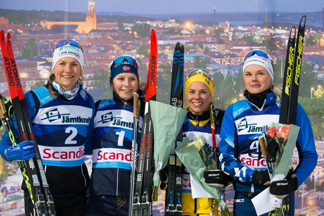 Linn Sömskar, Marte Nordlunde, Lina Korsgren och Jackline Lockner. FOTO: Bildbyrån/Johan Axelsson.