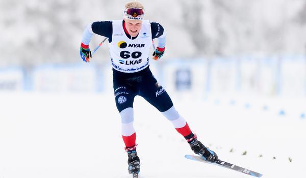 Jens Burman mot seger vid säsongspremiären över 15 kilometer fristil i Gällivare. FOTO: Bildbyrån/Mathias Bergeld.