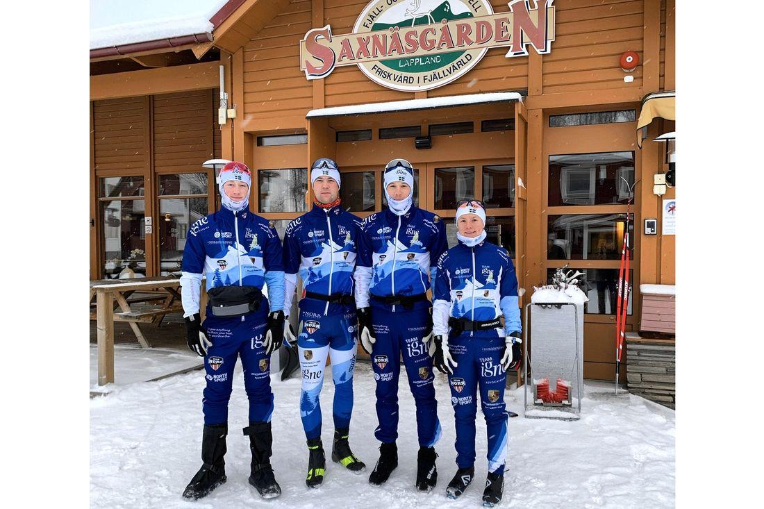 Team Ignes Niklas Henriksson, Johan Lövgren, Klas Nilsson och Sofia Lindberg har laddat upp i Saxnäs inför starten på Visma Ski Classics. FOTO: Team Igne.