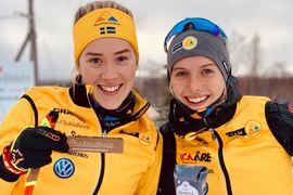 Jenny Larsson och Ida Dahl har båda den rosa ungdomsvästen i sikter när Visma Ski Classics drar igång i helgen. FOTO: Team Ramudden.
