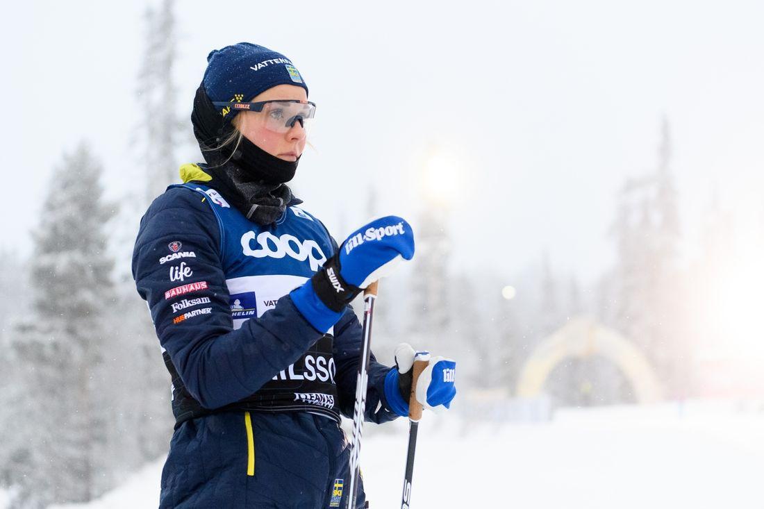Stina Nilsson samlar sig inför starten på världscupsäsongen i Ruka, Finland i morgon. FOTO: Bildbyrån/Carl Sandin.