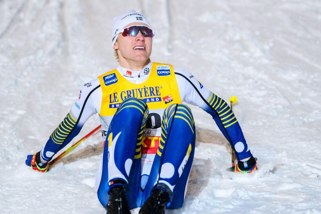 Oskar Svensson i mål som sexa på sprintfinalen i Ruka. FOTO: Bildbyrån/Carl Sandin.
