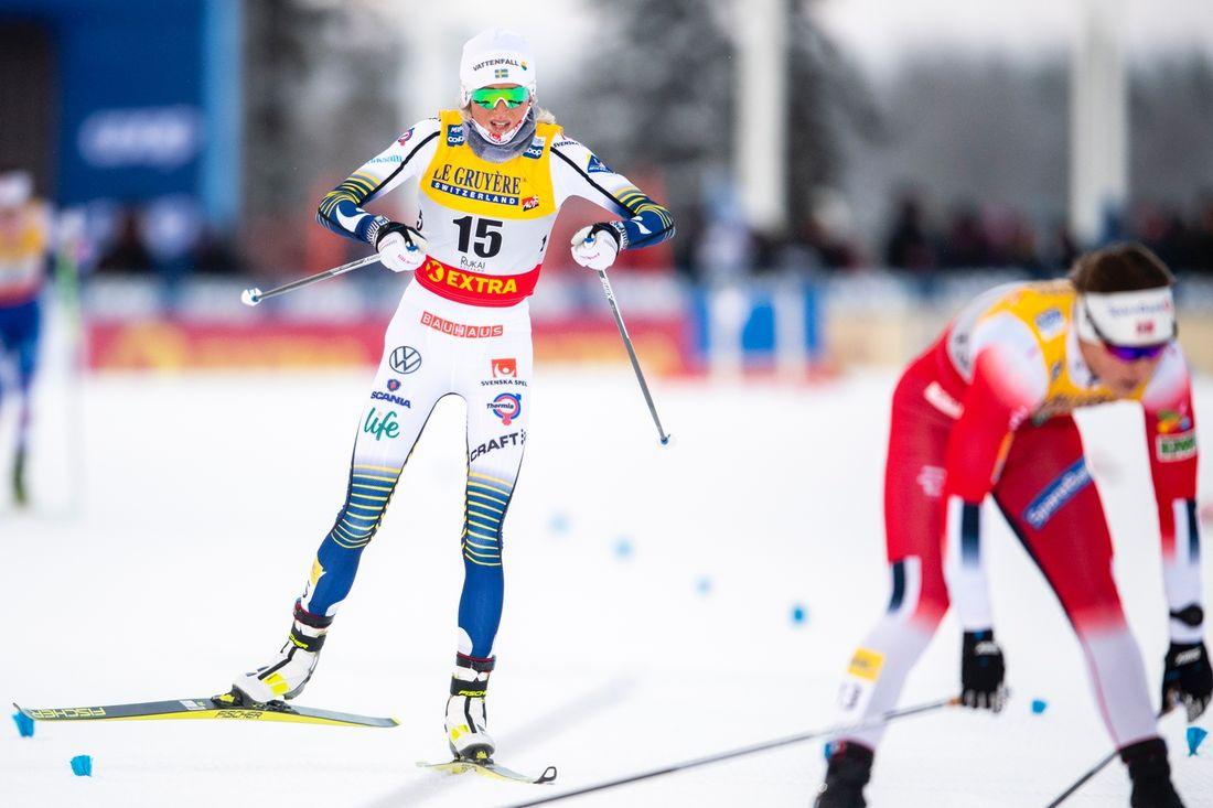 Frida Karlsson avancerade från 15:e till åttonde plats på jaktstarten i Ruka. FOTO: Bildbyårn/Carl Sandin.