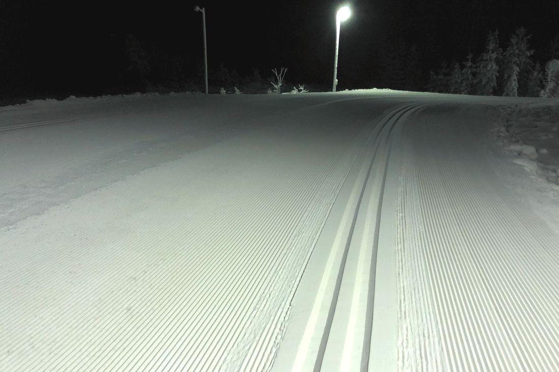 I Tranemo kan man nu erbjuda 1,2 kilometer skidspår med så här fina förhållanden. FOTO: Christian Olsson.