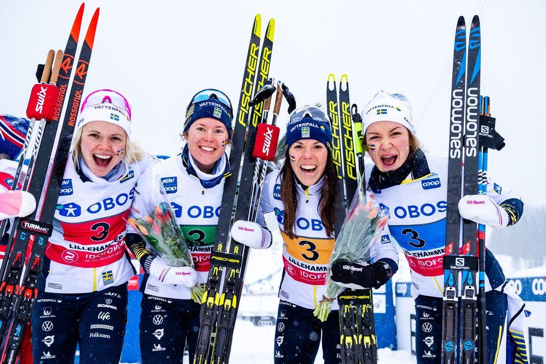 Emma Ribom, Elina Rönnlund, Charlotte Kalla och Moa Lundgren slutade trea på världscupstafetten i Lillehammer. FOTO: Bildbyrån/Mathias Bergeld.