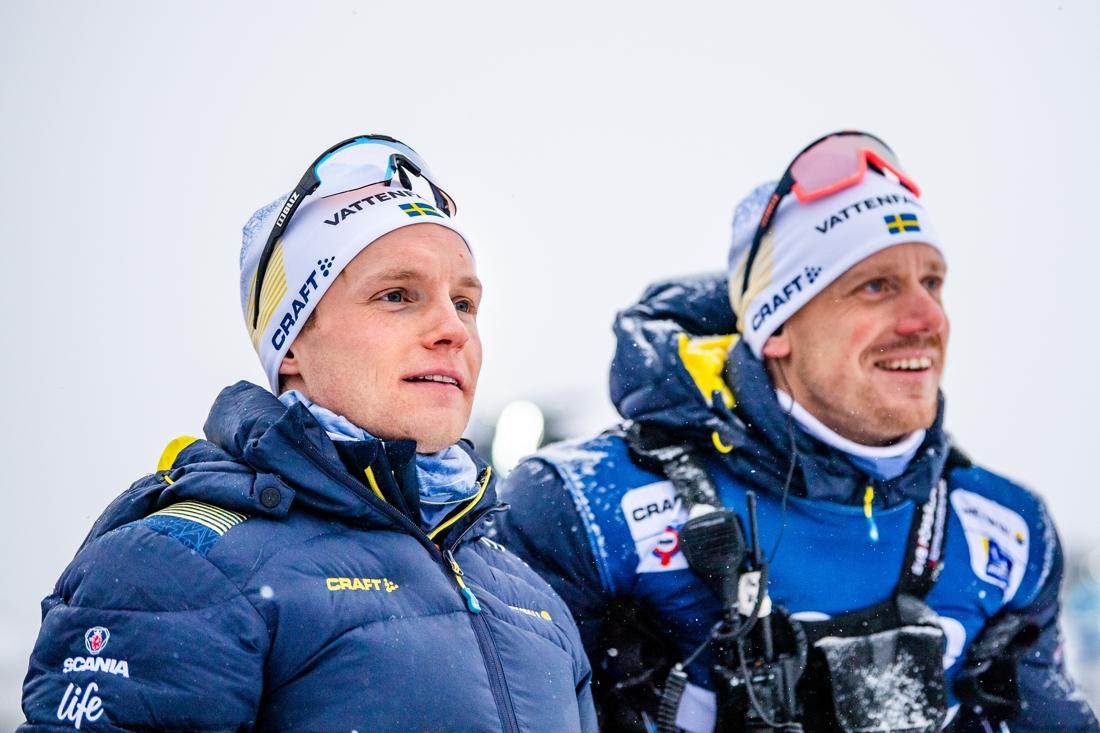 Björn Sandström med landslagstränaren Mattias Nilsson. FOTO: Bildbyrån/Mathias Bergeld.