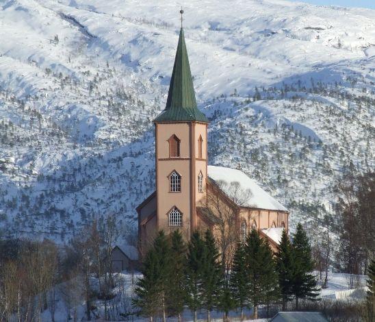 Røsvik kirke, vinter