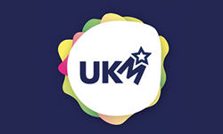 logo_UKM