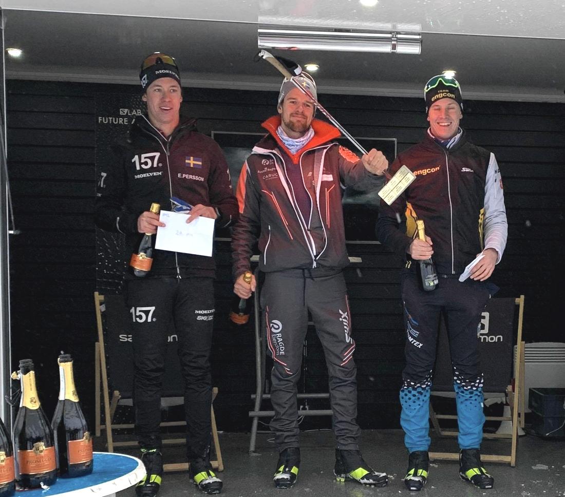 Topp tre i herrklassen. Fr.v. Tvåan Emil Persson, ettan Oskar Kardin och trean Nils Persson. FOTO: Åre Swix Open.