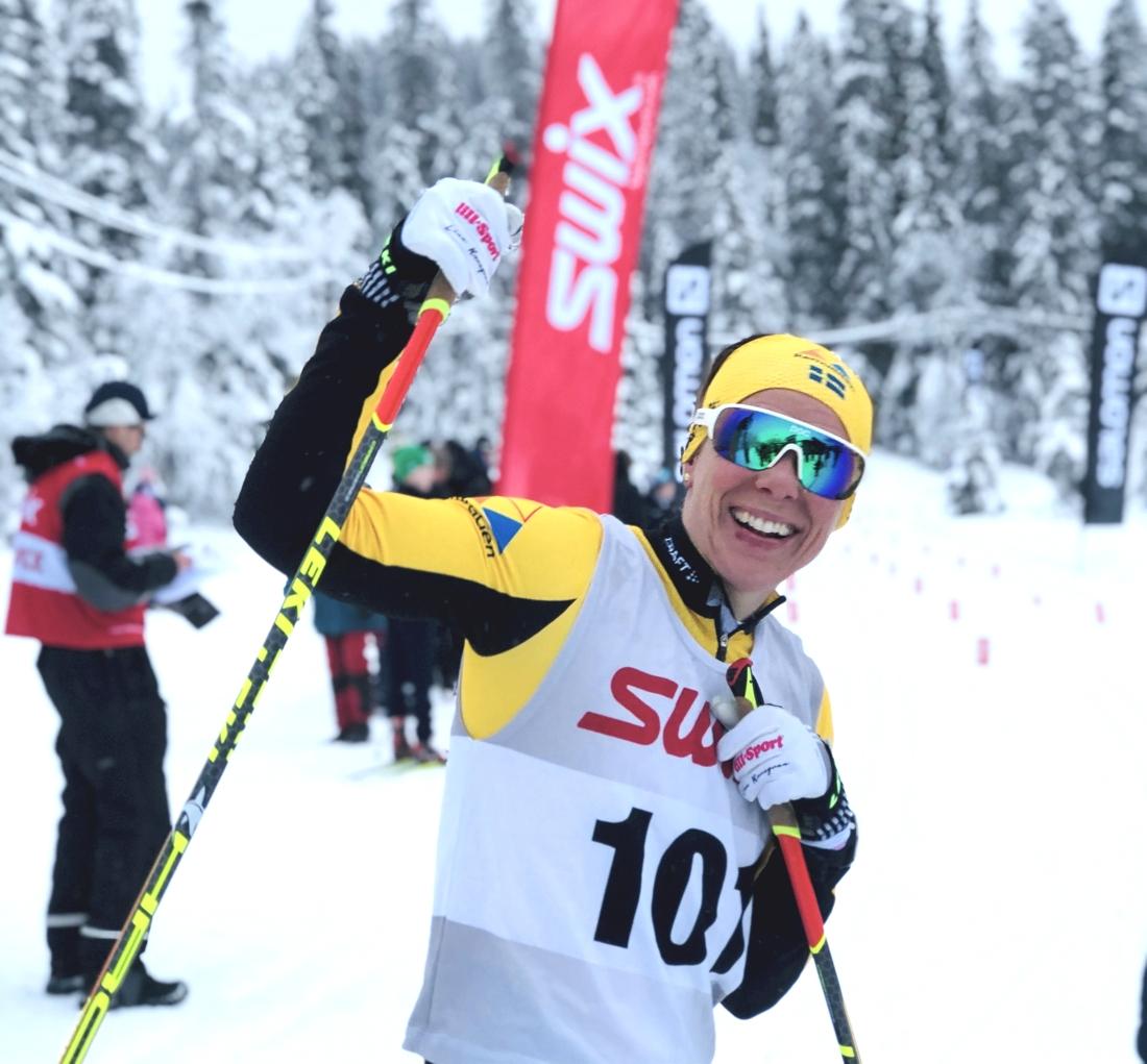 Lina Korsgren var tionde åkare i mål och slog nytt banrekord i damklassen. FOTO: Åre Swix Open.
