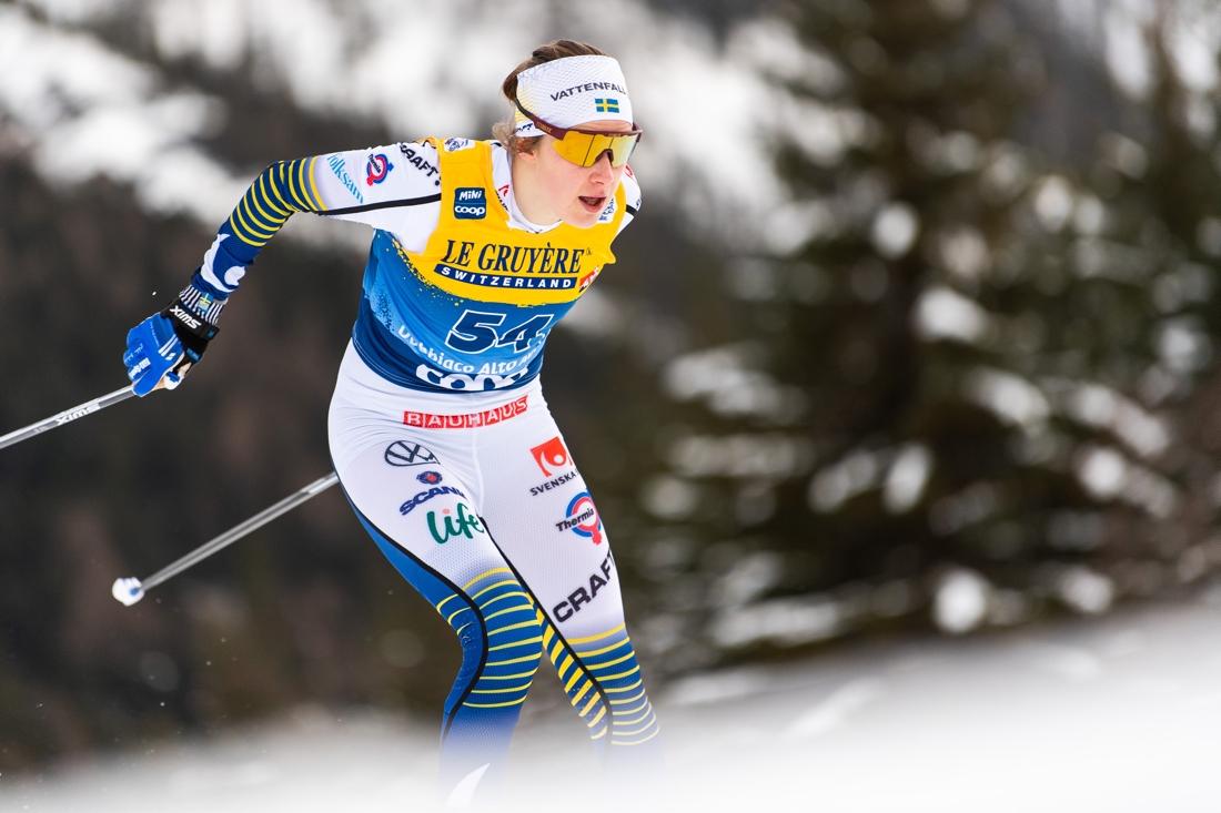 Ebba Andersson gjorde ett nytt topplopp i sin comeback efter knäskadan och slutade trea i Toblach. FOTO: Bildbyrån/Mathias Bergeld.