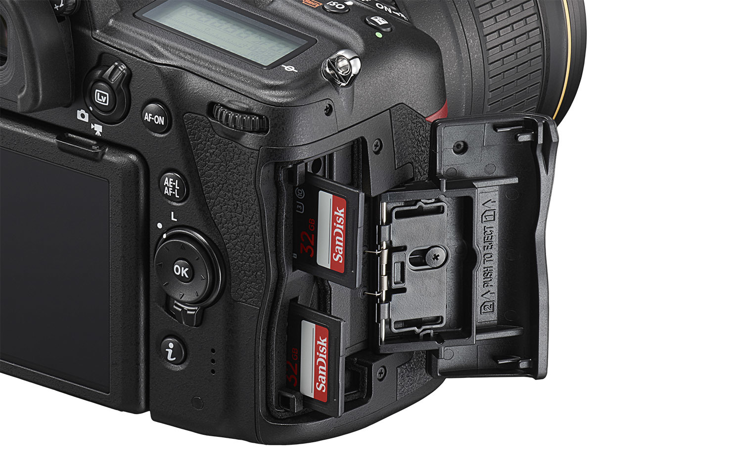 D780_24_120_4_double_slot_with 2 SD cards kopi.jpg