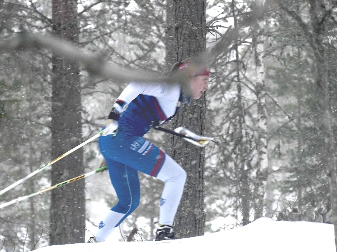 Isabel Salén på väg mot sista kontrollen. FOTO: Johan Trygg/Längd.se.