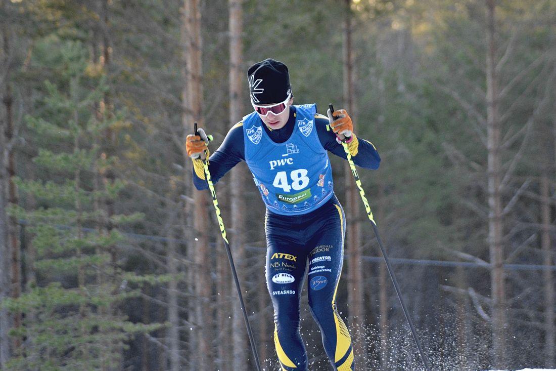 Ludvig Berg, Granbergsdals IF, är en av 12 åkare uttagna till nordiska juniorlandskampen i Falun. FOTO: Johan Trygg/Längd.se.