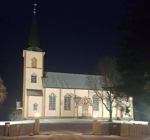 Røsvik kirke lyssatt