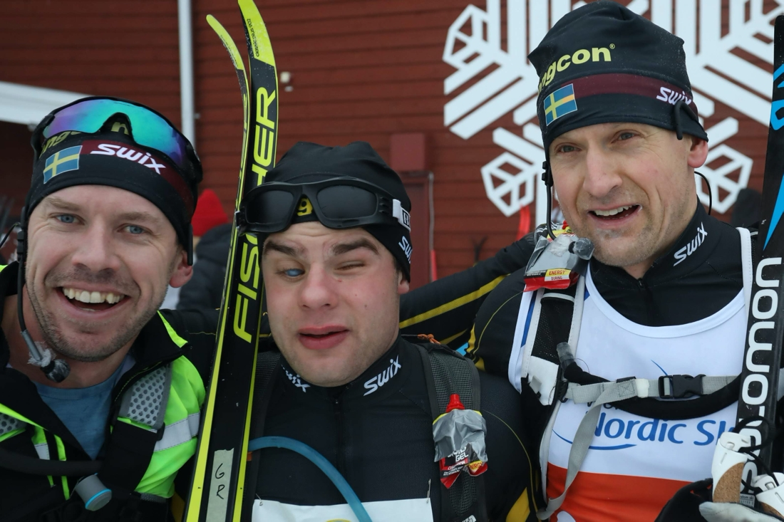 Zebastian Modin tillsammans med sina ledsagare Emil Jönsson och Jerry Ahrlin. FOTO: Mikael Hedström.