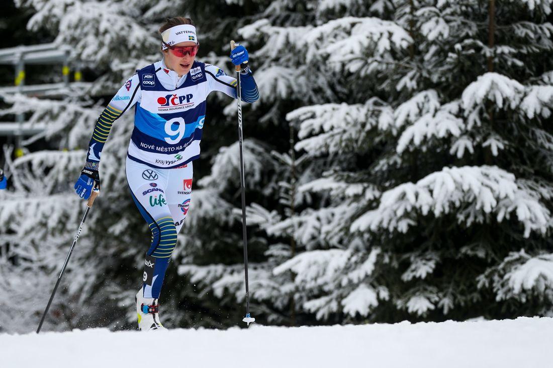 Ebba Andersson blev fyra på skiathlonloppet i Oberstdorf, snubblande nära pallen. FOTO: Bildbyrån - GEPA PICTURES/Philipp Brem.