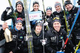 Lager 157 Ski Team gör sig redo för sin sjunde säsong. Här är laget efter triumfen i vid säsongsupptakten i Livigno i vintras. FOTO: Visma Ski Classics/Magnus Östh.