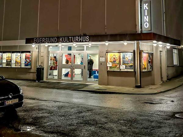 Egersund kulturhus natt