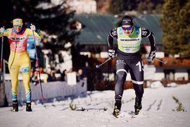 Britta Johansson Norgren var tillbaka som vinnare på Toblach-Cortina. Här tar hon spurten mot Kari Vikhagen Gjeitnes. FOTO: Visma Ski Classics/Magnus Östh.