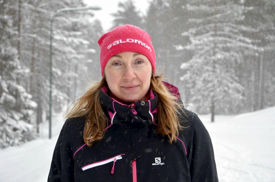 Nina Lintzén, Luleå tekniska universitet, är huvudförfattare till en ny studie där olika metoder för snölagring har granskats. FOTO: Luleå tekniska universitet.