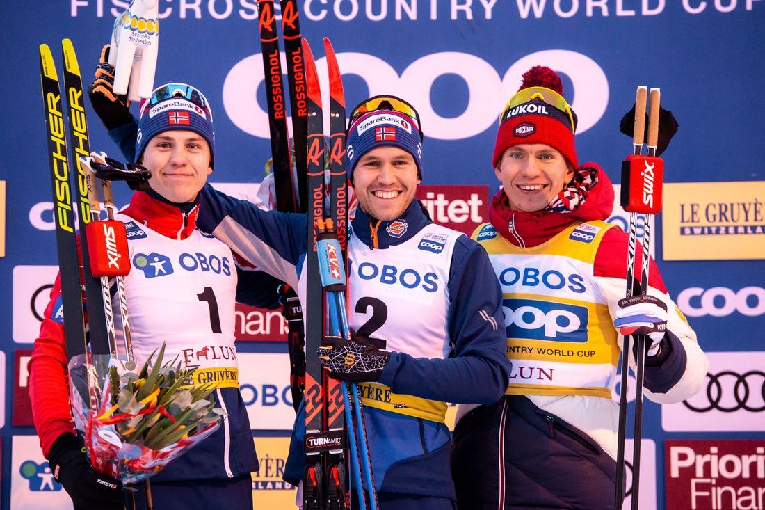 Pål Golberg vann sprintfinalen i Falun före Erik Valnes, till vänster, och Alexander Bolshunov. FOTO: Bildbyrån/Simon Hastegård.