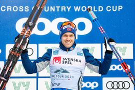 Pål Golberg tog hem jaktstarten vid andra etappen av Ski Tour 2020 i Östersund. FOTO: Bildbyrån/Carl Sandin.