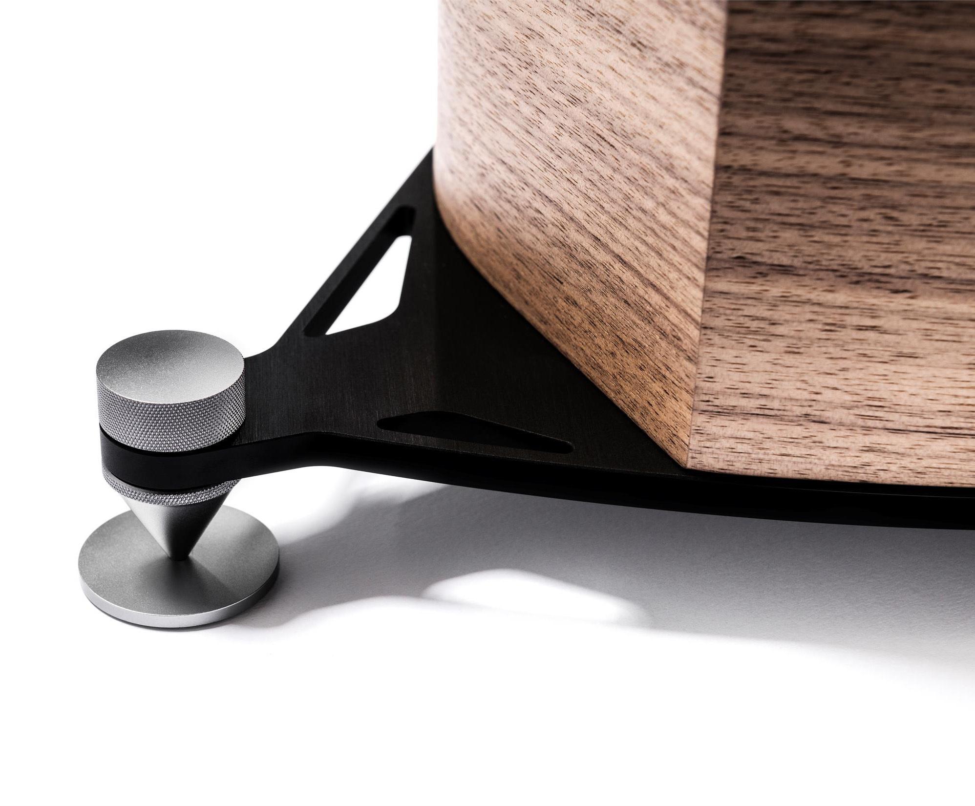 Sonus faber Sonetto VIII wood-detail.jpg