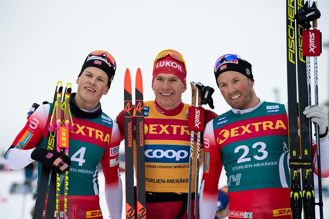Topptrion Johannes Hösflot Kläbo, Alexander Bolshunov och Emil Iversen. FOTO: Bildbyrån/Vegard Wivestad Grött.