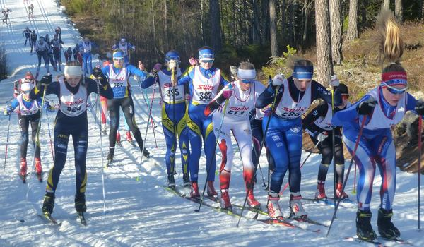 Strax efter starten i Eldris på Ungdomsvasan i D 13-14-klassen. FOTO: Johan Trygg/Längd.se.