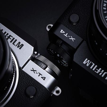 Fujifilm X-T4 fås i sort eller sølv utførelse. (Foto: Jonas Rask)