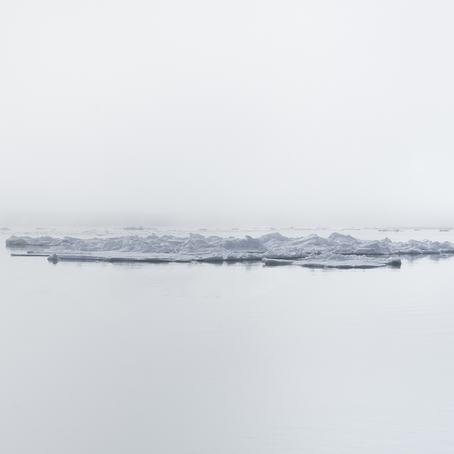 """""""Hinlopenstredet"""" (2010). © Morten Løberg."""