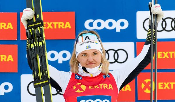 Linn Svahn blir klar totalsegrare i sprintvärldscupen när sprinttävlingarna i Québec ställs in. FOTO: Bildbyrån/Mathias Bergeld.