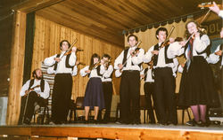Indre Sunnfjord på besøk i Dølheim Hornindal 1983-2
