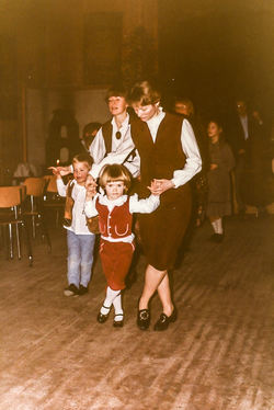 Olav, Ingrid, Gro Marie og Arny juleavslutning 1984-2