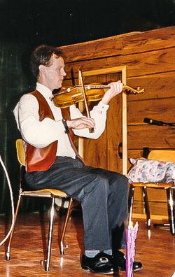 1994 25 år, Knur Sandal