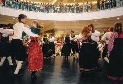 2005 Botavon dansar i kjøpesenter Pecs-2