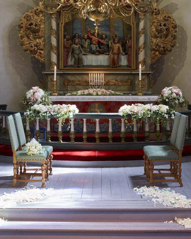 Blomster-i-kirken---bryllup.jpg