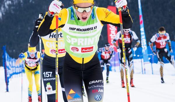 Lina Korsgren anställer cykeltränaren Mattias Reck för att stå emot Marit Björgen på Vasaloppet. FOTO: Visma Ski Classics/Magnus Östh.
